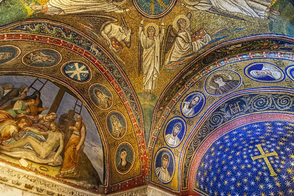 05 Sottarchi Con Santi E Sante, Lunetta Sin. Con La Deposizione Di Cristo